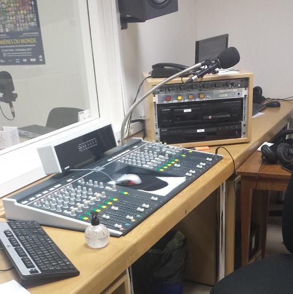 Photo d'un studio de radio